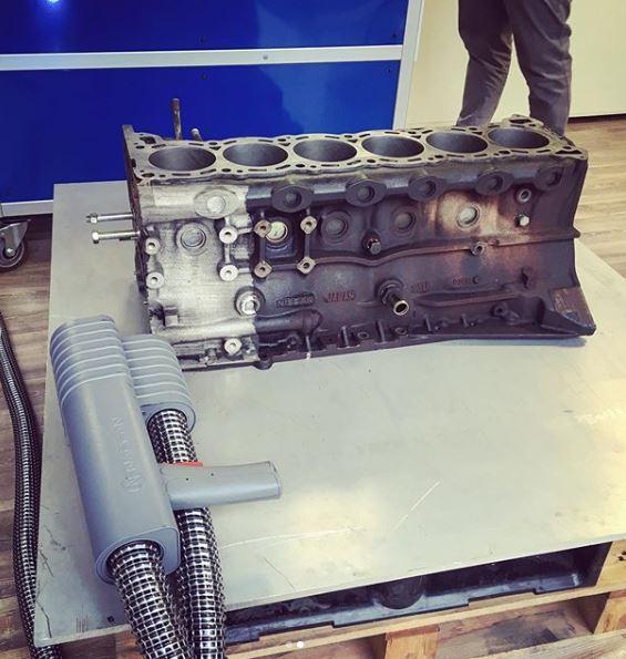 engine block, blok moturu, cistici laser, cisteni laserem